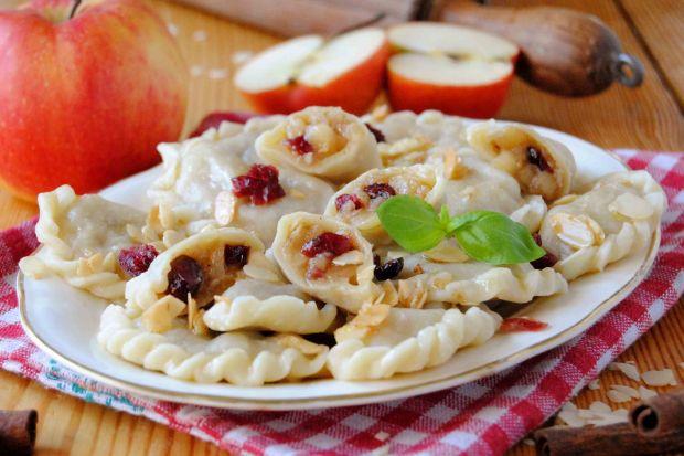 Pierogi z jabłkami z piernikową nutą