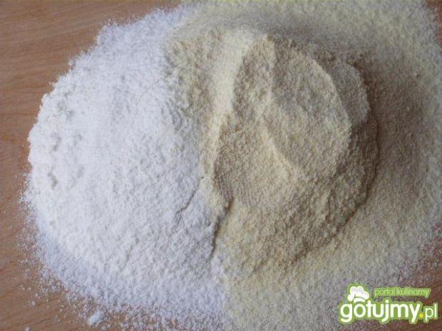 Pierogi z mąki pszennej i kukurydzianej