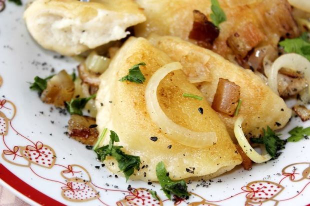 Pierogi z ziemniakami i serem korycińskim