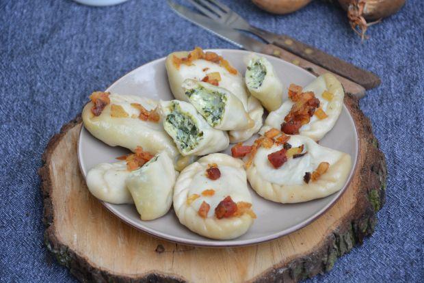 Pierogi z ziemniakami i szpinakiem