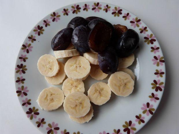 Pierogi ze śliwkami i bananami