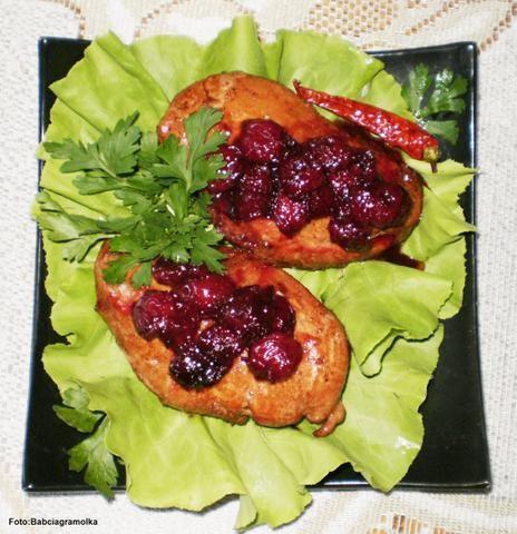 Pierś kurczaka z  wiśniami
