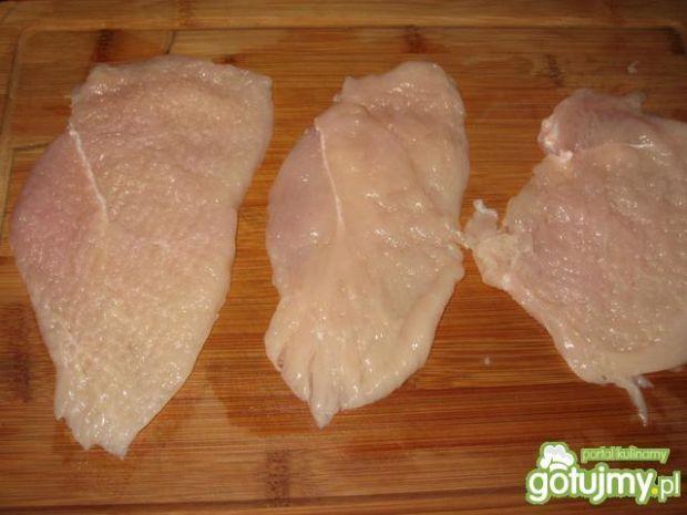 Piers kurczaka zapieczony z pieczarkami