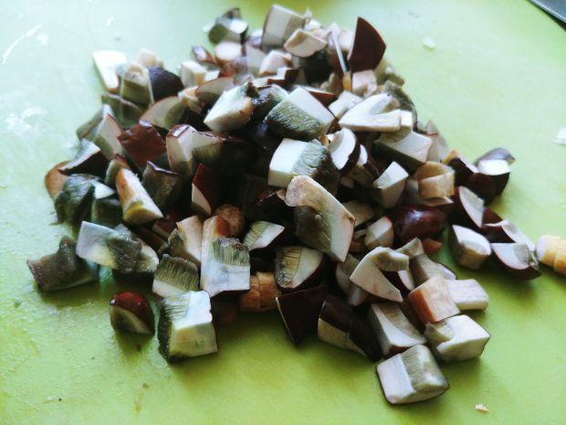 Pierś z gęsi z grzybami i kaszą gryczaną