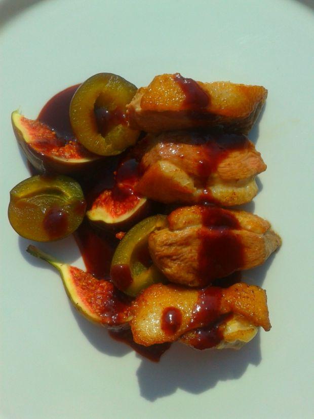 Pierś z kaczki w sosie figowo-śliwkowym