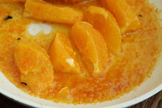 Pierś z kaczki w sosie wiśniowo pomarańczowym