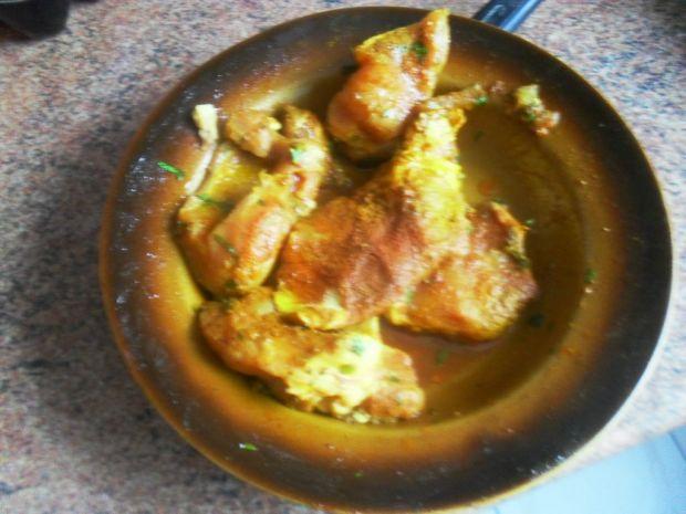 Pierś z kurczaka duszona z pomidorami i warzywami