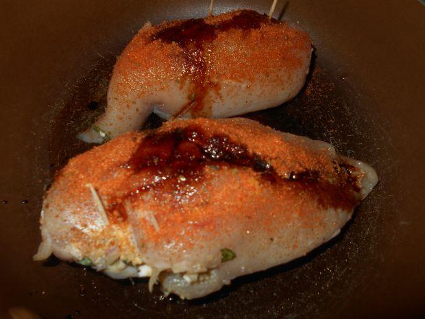 Pierś z kurczaka nadziana jajkiem