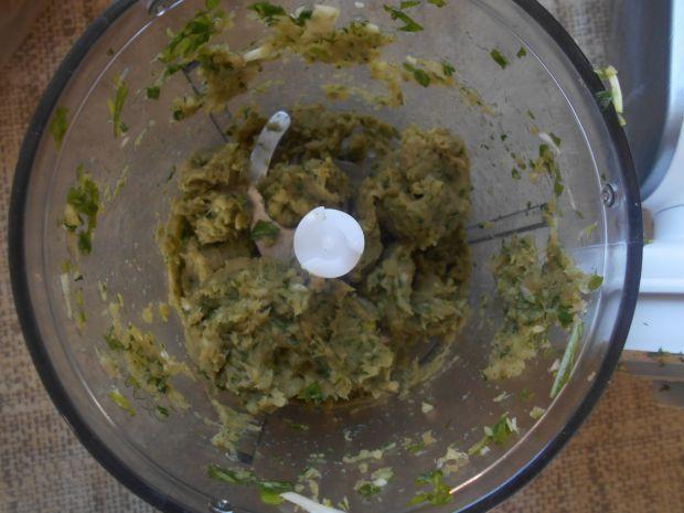 Pierś z kurczaka w bazyliowo-kalafiorowym sosie