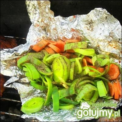 Pierś z kurczaka w warzywach z grila