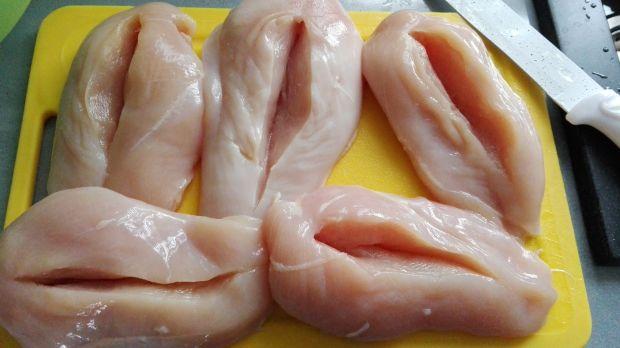 Piersi kurczaka z niespodzianką
