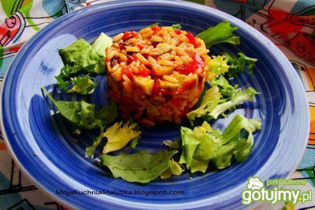 Pikantna sałatka ryżowo - warzywna