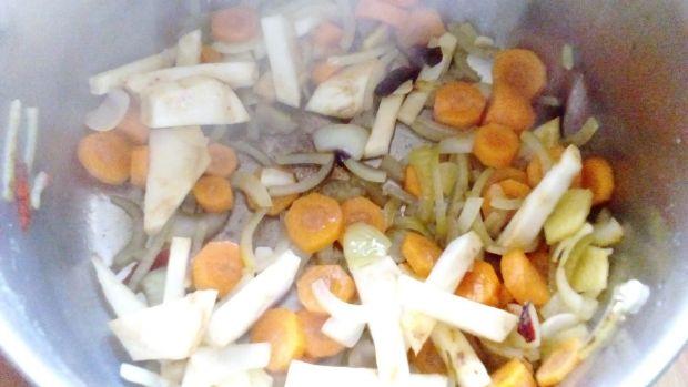 Pikantna zupa dyniowo-ziemniaczana