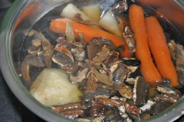 Pikantna zupa grzybowa