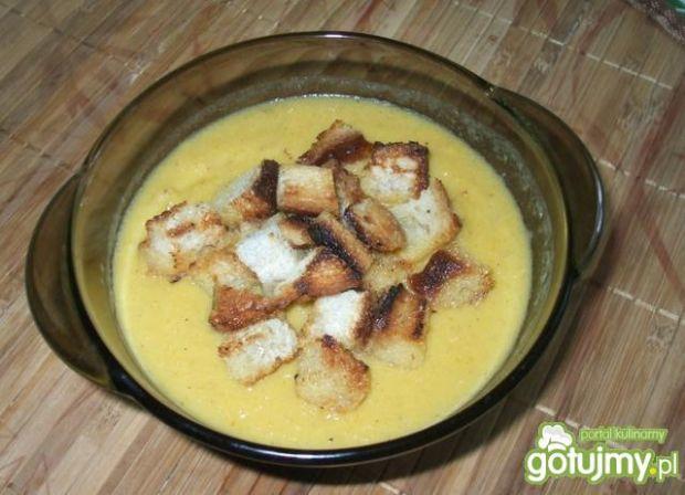 Pikantna zupa-krem z dyni