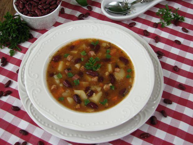 Pikantna zupa z czerwoną fasolą