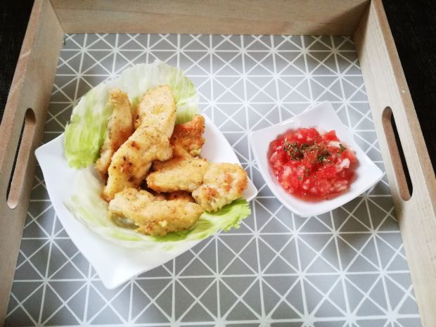 Pikantne kąski z kurczaka z salsą