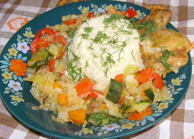 Pikantne warzywa z kaszą jaglaną