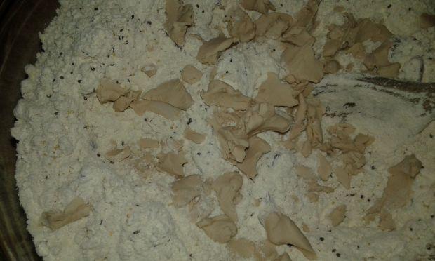 Pistacjowo - figowy chlebek na mące chlebowej