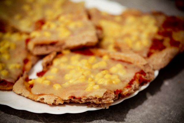 Pizza babuni palce lizac