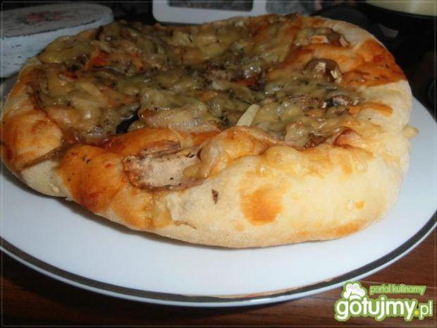 Pizza Calzone z wędliną