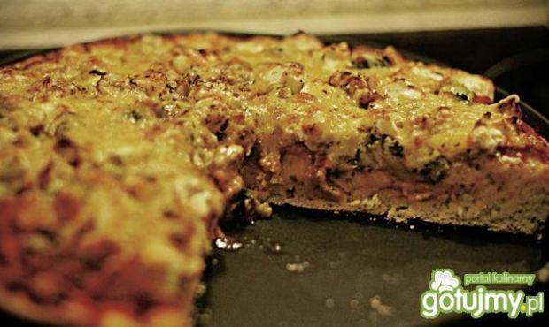 Pizza - ciasto bardzo puszyste.