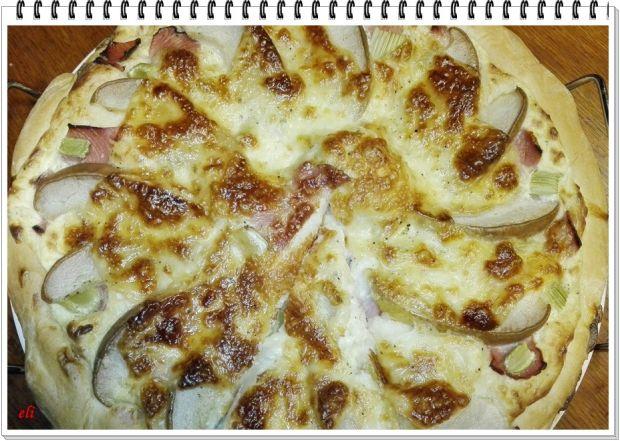 Pizza Eli z gruszką i selerem naciowym