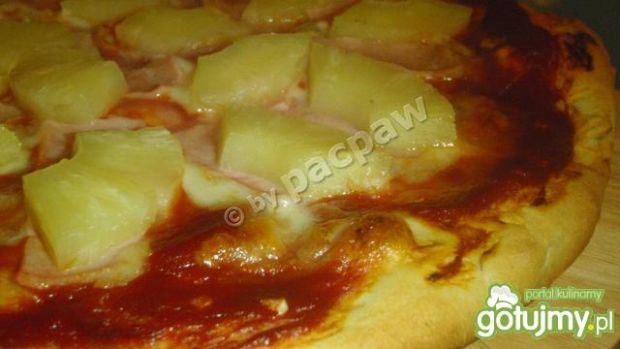 Pizza hawajska z czosnkiem