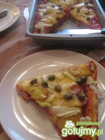 Pizza kukurydziana z kaparami