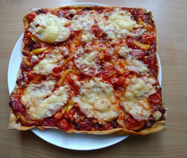 Pizza meksykańska na cieście orkiszowym
