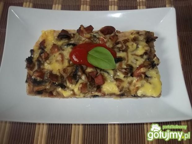 Pizza na cieście pszenno-żytnim