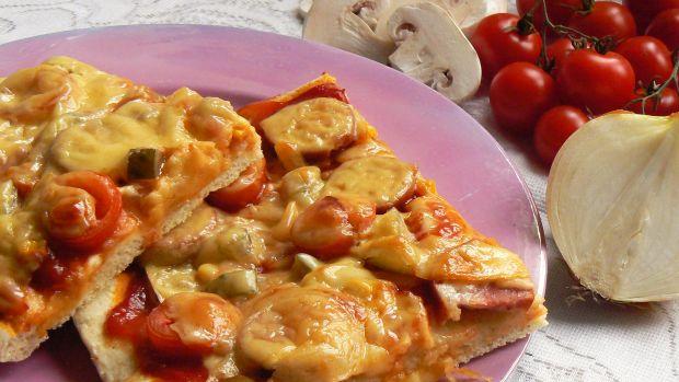Pizza na ziołowym spodzie