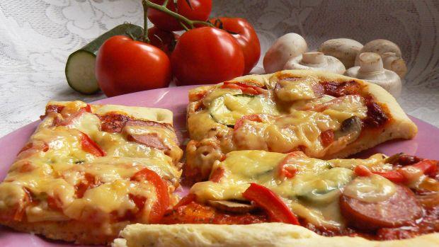 Pizza pełna smaku na ostro