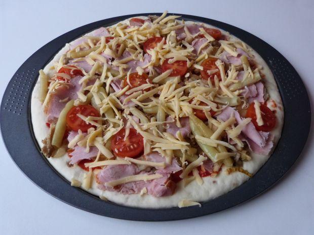 Pizza z boczniakami i fasolką