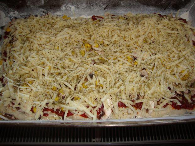 Pizza z dodatkiem mąki żytniej