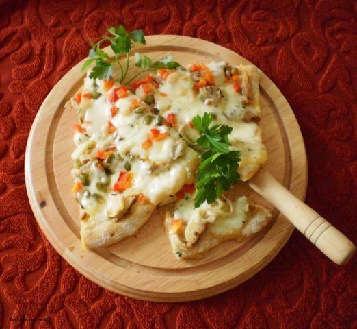 Pizza z kurczakiem Gyros  wg Buni :