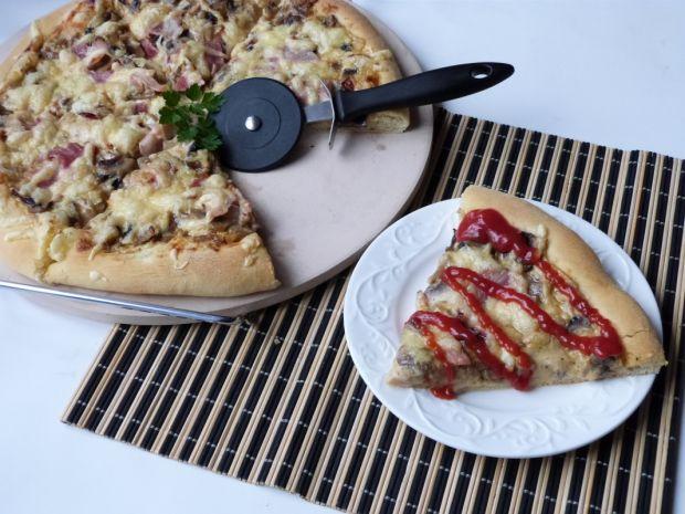 Pizza z mąki pszennej i kukurydzianej