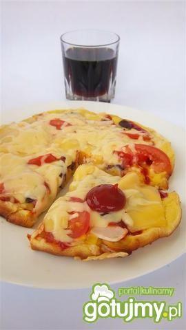 Pizza z patelni z grillowanym kurczakiem