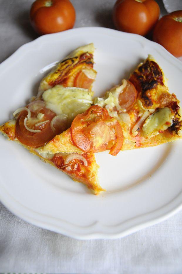 Pizza z serem camembert
