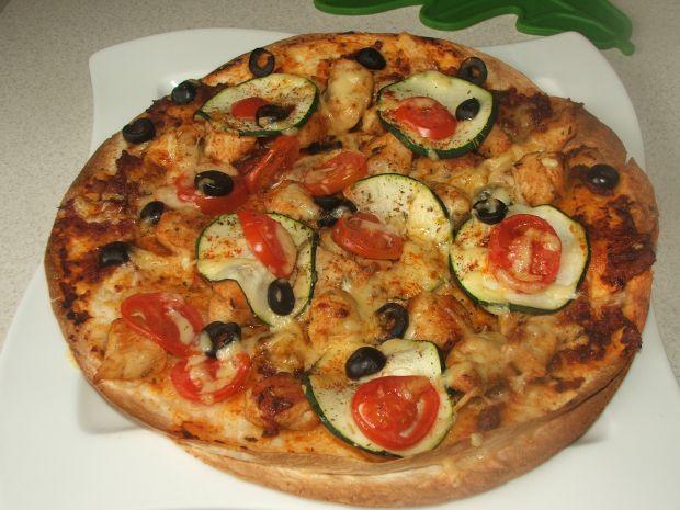 Pizza z tortilli