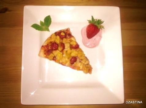 Pizza z truskawkami, brzoskwinia…