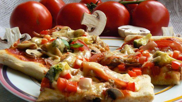 Pizza z żeberkami