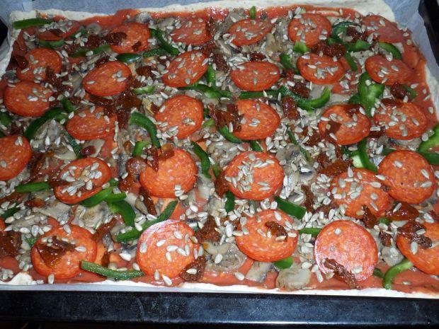 Pizza ze słonecznikiem