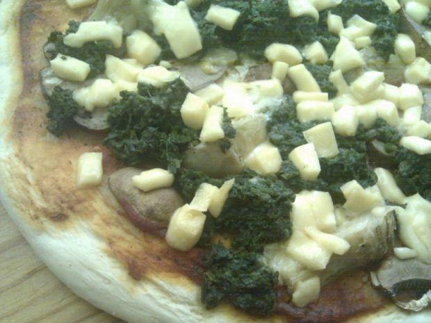 Pizza ze szpinakiem i karczochami
