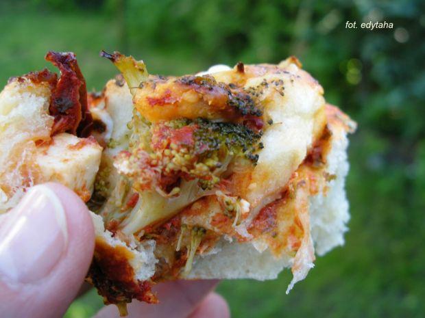 Pizze ślimaczki z brokułem i fetą