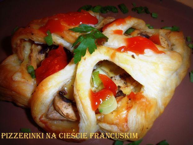 Pizzerinki na cieście francuskim