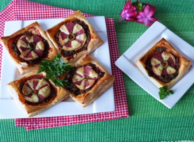 Pizzerinki z ciasta francuskiego