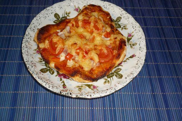 Pizzerinki z papryką, szynką i serem