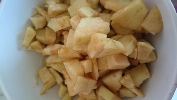 Placki kokosowe z mąki teff z jabłkami bez glutenu
