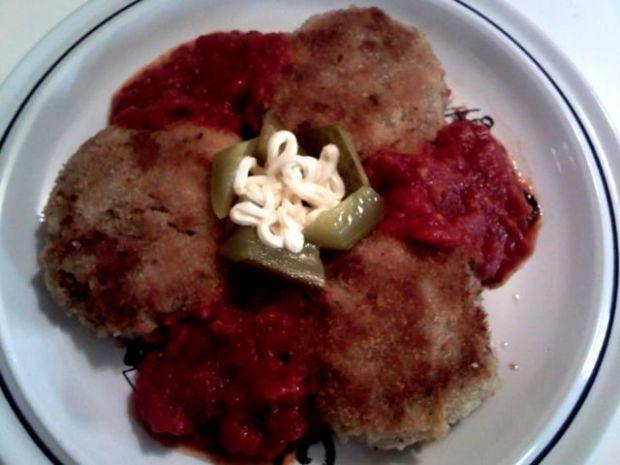 Placki tuńczykowe z sosem pomidorowym:)